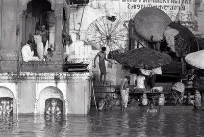 Jeroen Swolfs - Varanasi at Sunrise