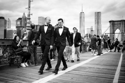 Friso Kooijman - Tuxedoes on the Brooklyn bridge