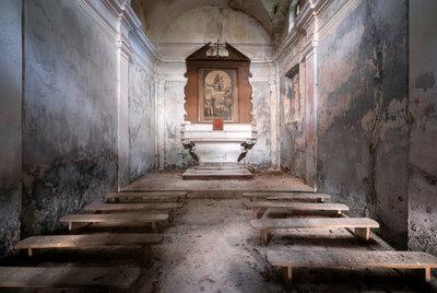 Roman Robroek - Chapel in the Woods