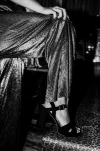 Sanne Nadine Hes - Glamourous legs | blackandwhite